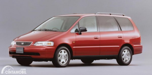 Gambar Honda Odyssey generasi pertama tahun 1994