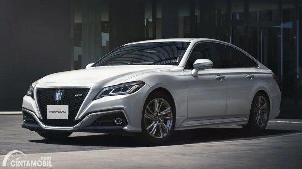 Gambar tampilan samping Toyota Crown 2021
