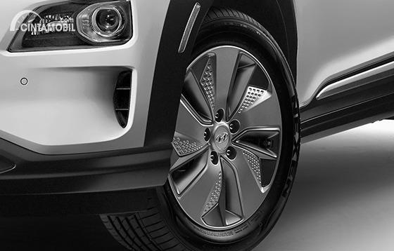 Gambar ban dan velg Hyundai KONA Electric 2020