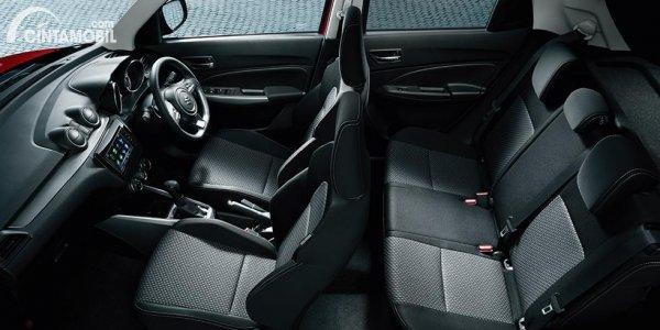 kursi Suzuki Swift 2020 berwarna hitam