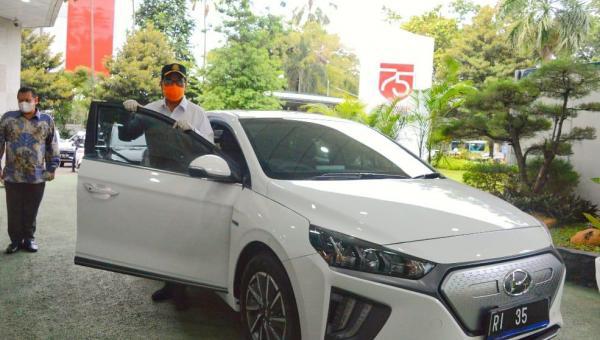 Menteri Perhubungan Bakal Gunakan Mobil Listrik Jadi Kendaraan Dinas