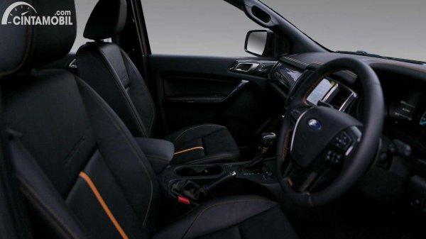Kursi Ford Ranger 2021 berwarna hitam