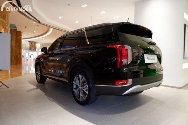 Foto tampak belakang Hyundai Palisade Signature 2020