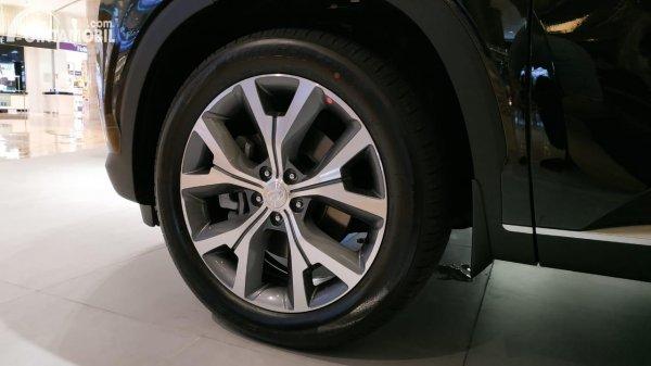 Foto ban dan velg Hyundai Palisade Signature 2020