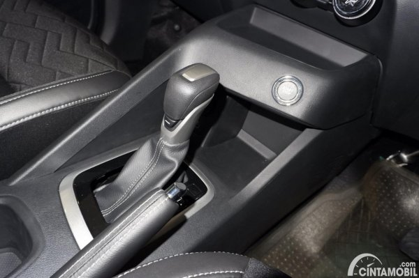 Foto tuas transmisi Nissan Magnite Premium CVT 2020