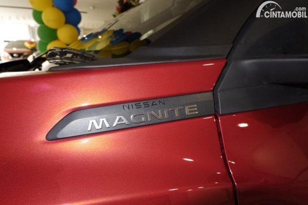 Foto ornamen samping Nissan Magnite Premium CVT 2020