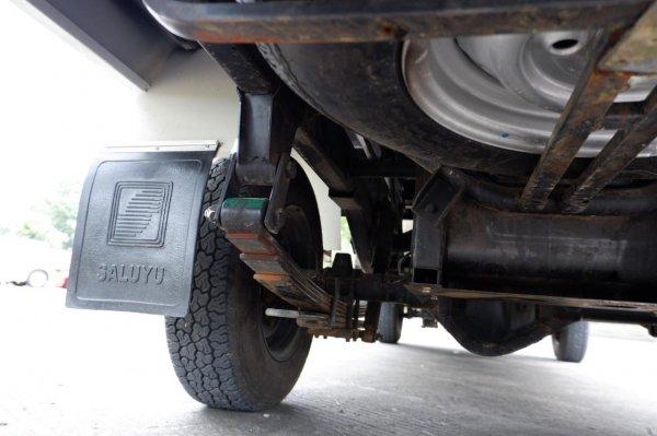 Foto suspensi belakang Mahindra Bolero Maxitruck 2020