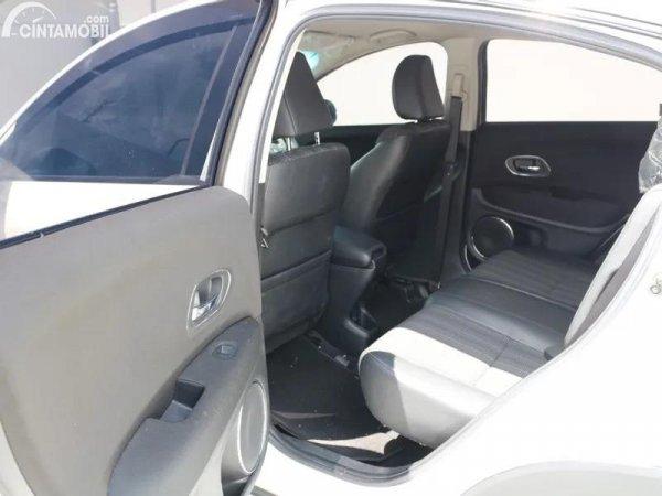 Gambar kursi belakang Honda HR-V 1.5L