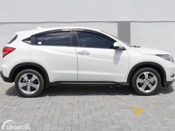 Gambar tampilan samping Honda HR-V 1.5L