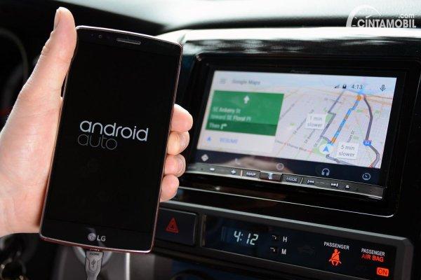 update Android Auto dengan smartphone