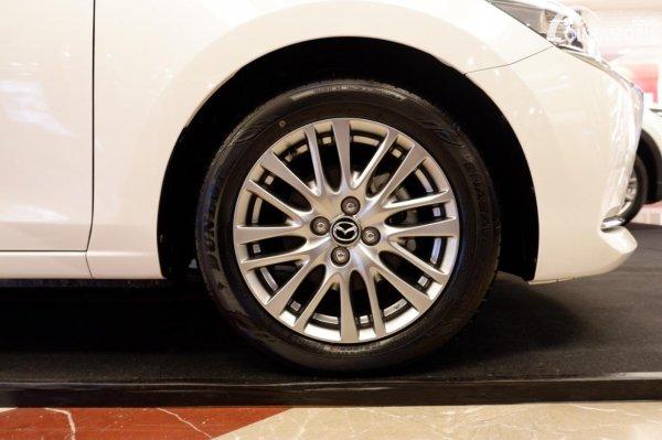 Foto ban dan velg Mazda 2 Elite 2020