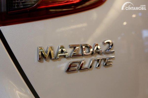 Foto emblem Mazda 2 Elite 2020
