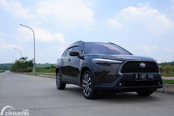 Foto tampak depan Toyota Corolla Cross 1.8 Hybrid AT 2020