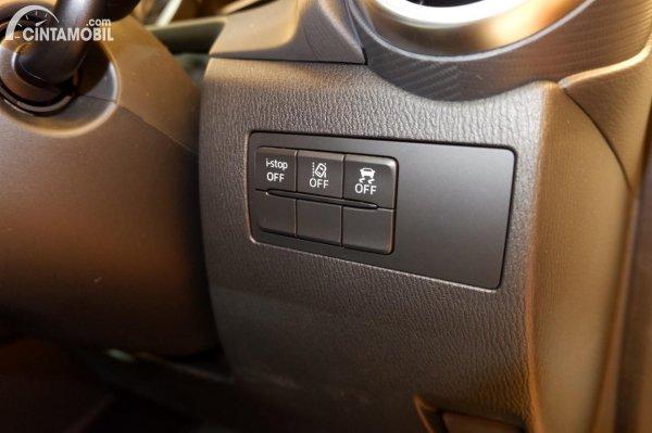 Foto ringkasan Fitur Keselamatan Mazda 2 Elite 2020