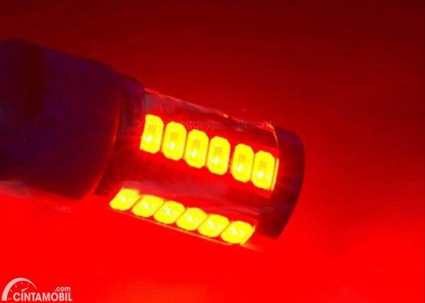 Lampu LED Rem Kelip