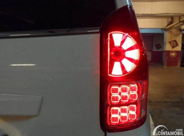 Rear Stop Lamp Variasi Avanza