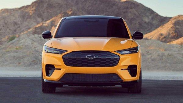 Gambar menunjukan Mobil listrik Ford
