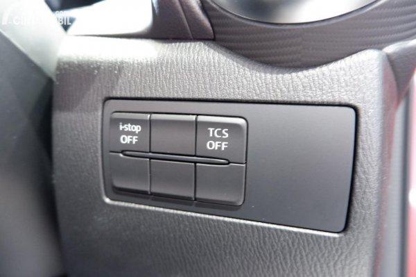 Foto fitur keselamatan Mazda CX-3 PRO 2020