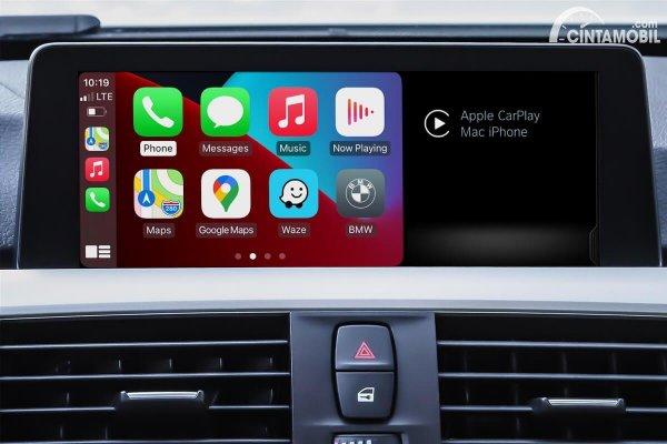 Fitur Apple Carplay di BMW M2 CS 2020