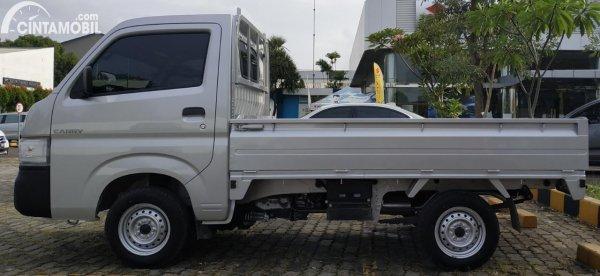 Foto tampilan samping Suzuki Carry Pick Up Facelift 2021