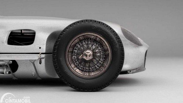 Miniatur Mercedes W196 Monoposto milik Stirling Moss