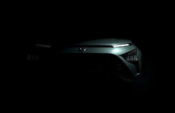 Foto menunjukkan Teaser Hyundai Bayon bagian depan