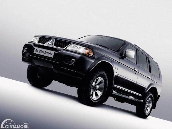 Gambar Mitsubishi Pajero Sport generasi 1