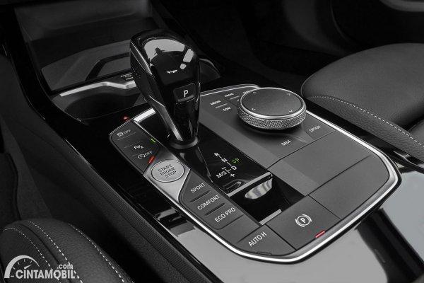 Konsol tengah BMW M235i Gran Coupe 2020