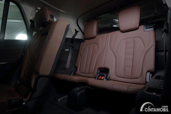 Kursi baris ketiga yang dipakai BMW X5 xDrive40i