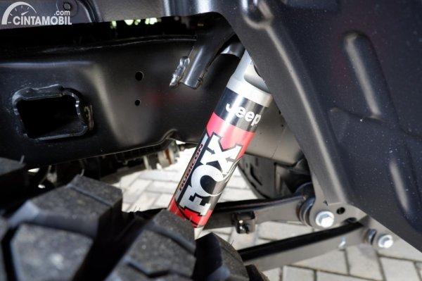 Foto shockbraker FOX Shock di Jeep Gladiator Rubicon JT 2021