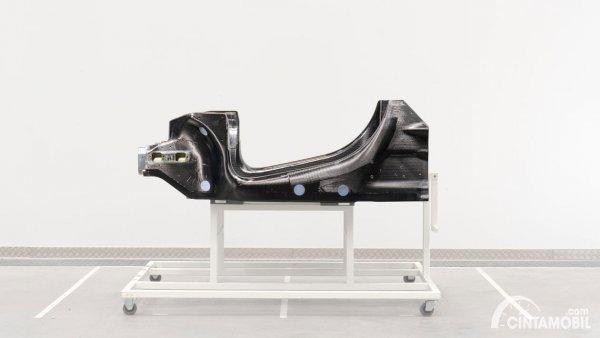Platform baru untuk mobil hybrid McLaren