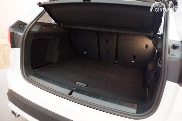 Foto Bagasi BMW X1 sDrive 18i 2021