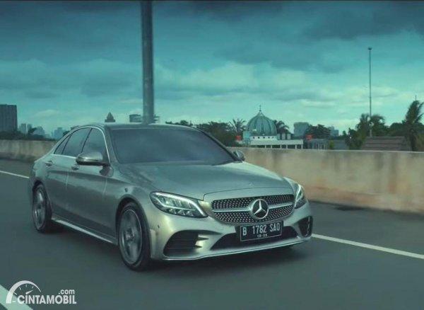 Foto mobil Mercedes-Benz C200 AMG Line Final Edition 2021