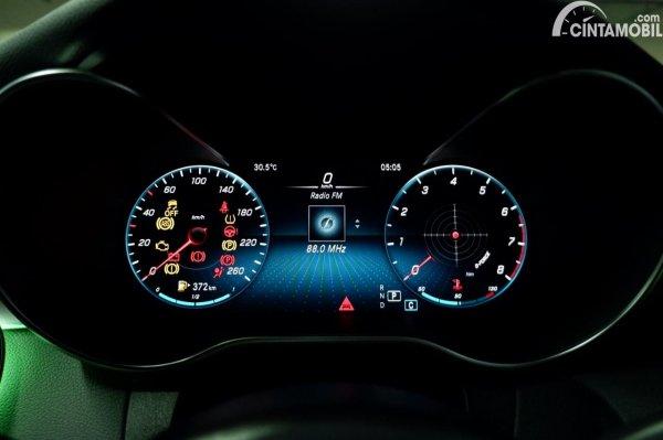 Foto panel instrumen Mercedes-Benz C200 AMG Line Final Edition 2021