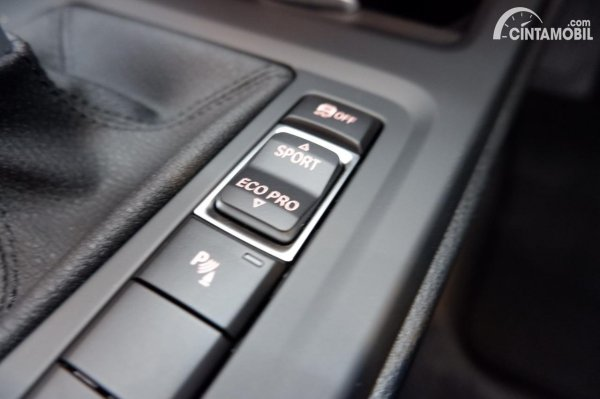 Foto driving Mode BMW X1 sDrive 18i 2021