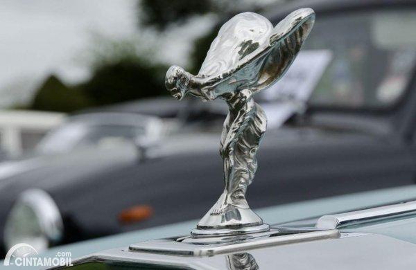 Lambang Rolls Royce Spirit of Ecstacy