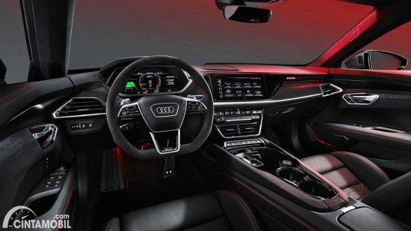 interior Audi E-tron GT 2021 berwarna hitam