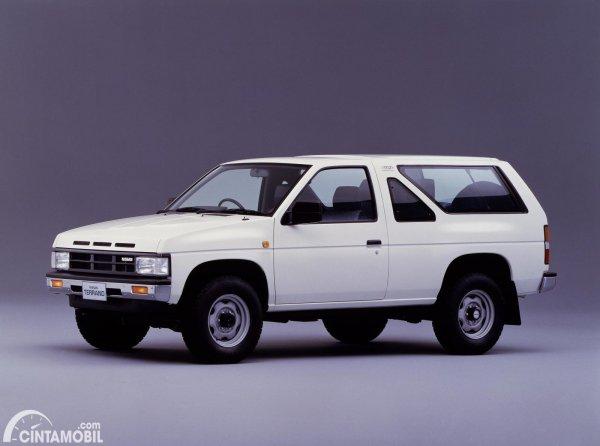 Gambar Nissan Terrano WD21