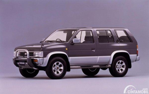 Gambar Nissan Terrano 1995-1997