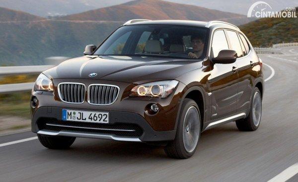 mobil bekas BMW X1 2011