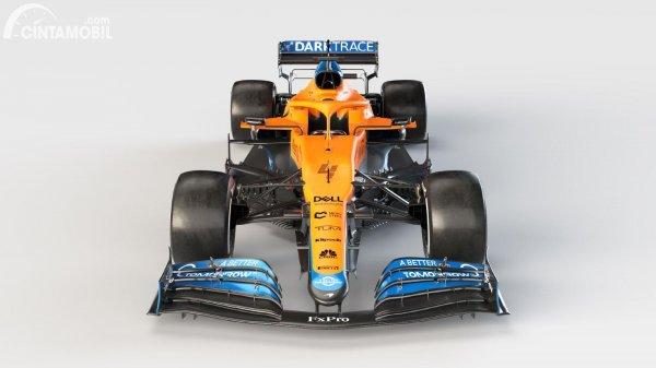 Tampilan depan McLaren MCL35M