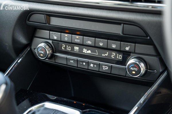 Fitur Mazda CX-9 AWD 2020 berwarna hitam