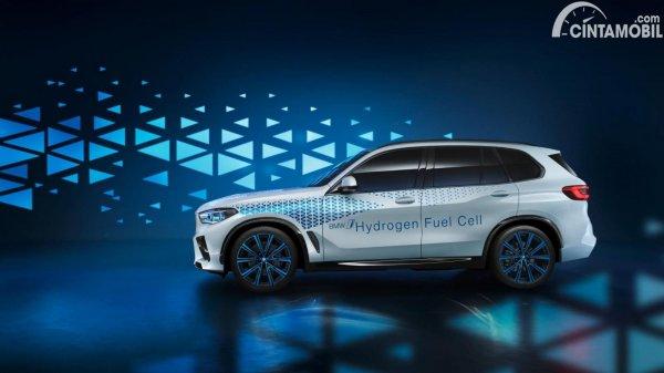 BMW i-Hydrogen berwarna putih