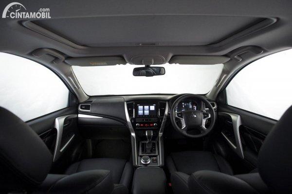 Gambar layout dashboard Mitsubishi Pajero Sport Dakar 4x4 2021