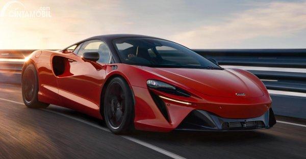 McLaren Artura Hybrid 2022