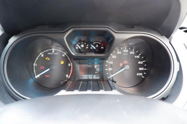 Foto panel instrumen Ford Ranger 3.2 XL 2021