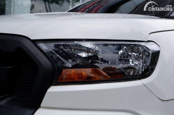 Foto headlamp Ford Ranger 3.2 XL 2021