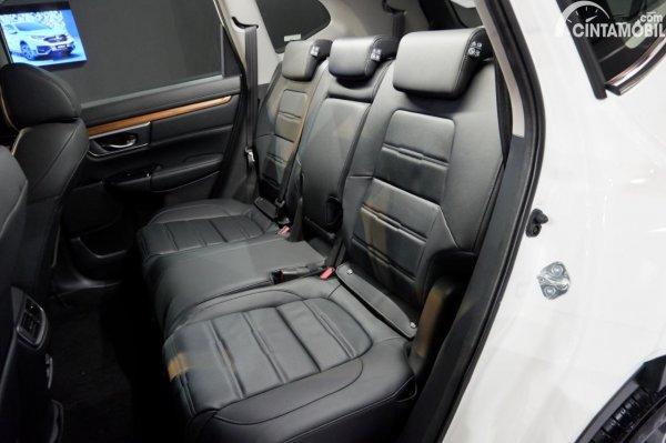 Foto kursi penumpang baris kedua Honda CR-V Turbo Prestige 2021