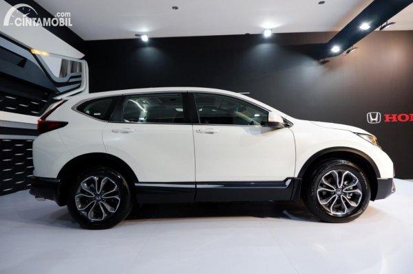 Foto tampilan samping Honda CR-V Turbo Prestige 2021