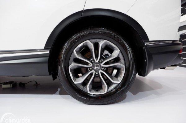 Foto ban dan velg Honda CR-V Turbo Prestige 2021